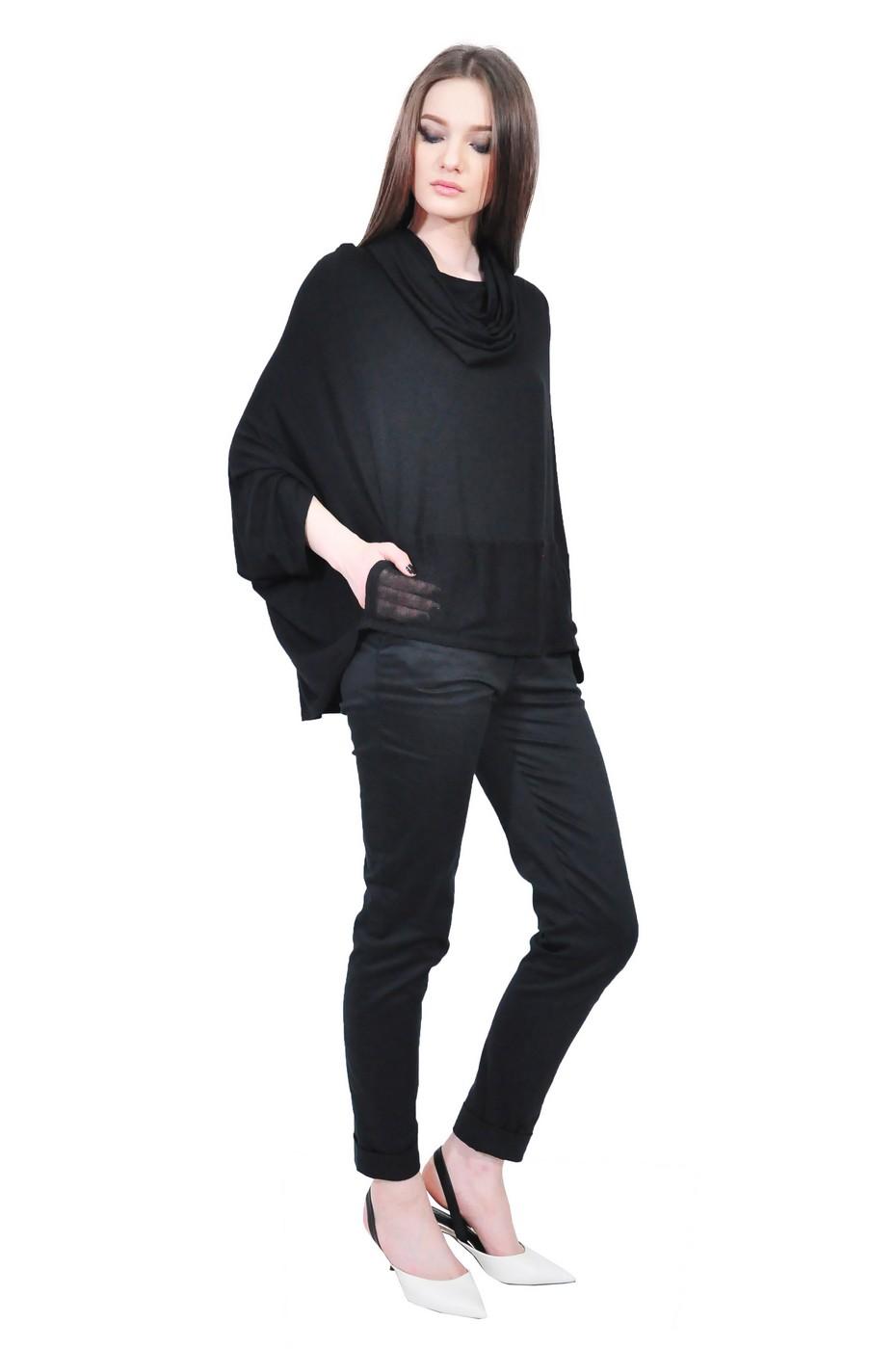 b766249a30c6 Black collar blouse - Violeta Gaburici